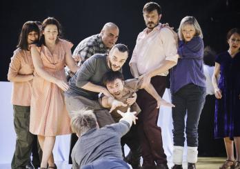 """Predstava """"Hinkemann"""" Ernsta Tollera u režiji Igora Vuka Torbice dobila  Nagradu za najuspješniju predstavu u cjelini na 43. međunarodnom festivalu  alternativnog i novog teatra INFANT u Novom Sadu"""